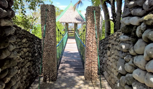 Punta Verde Dive Hanging Bridge