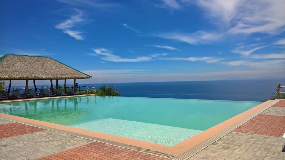 Punta Verde Dive Infinity Pool